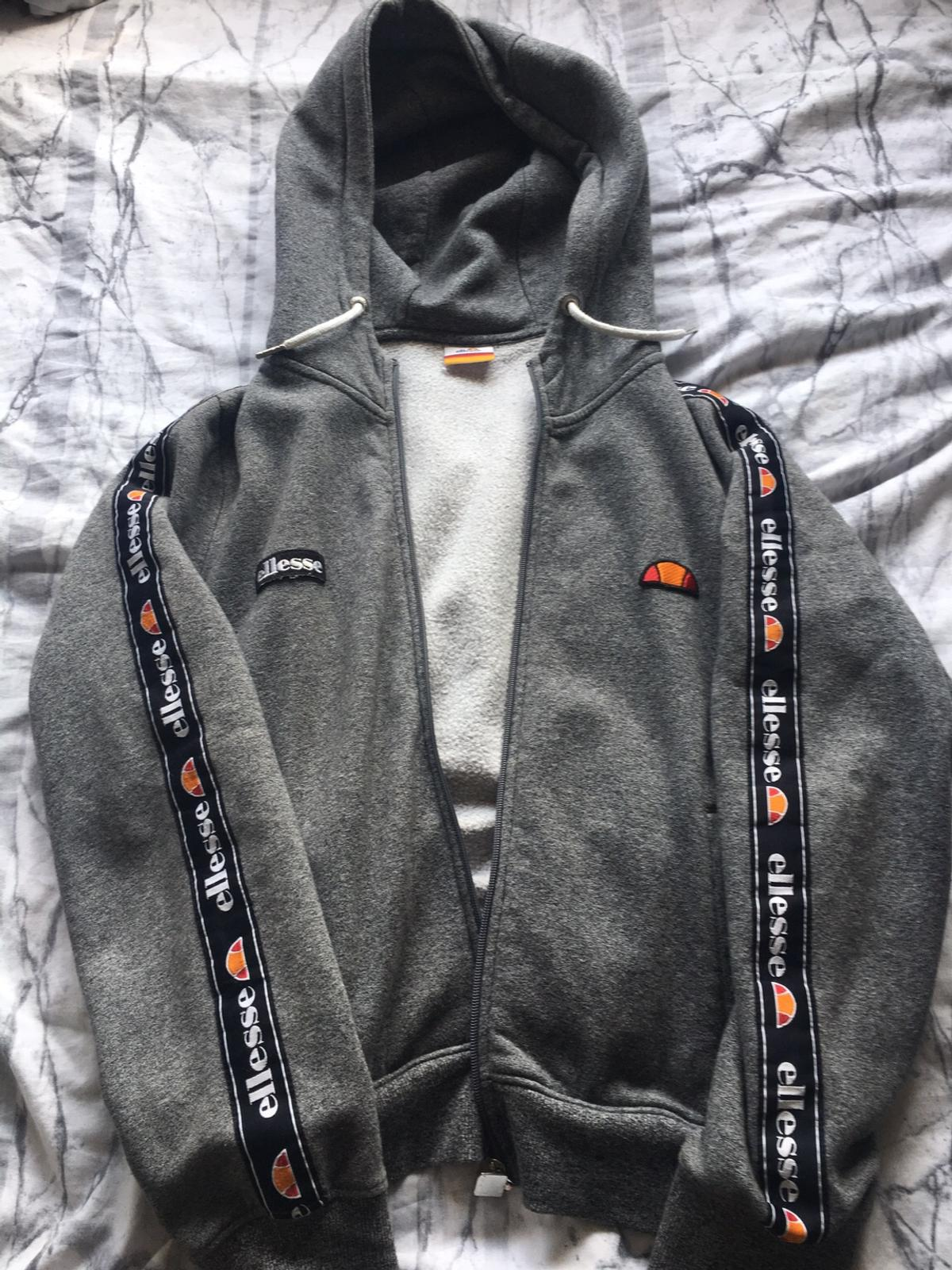 travestito Occidentale buona volontà  Women's size 14/16 grey ellesse zip hoodie in DY10 Wyre Forest for £5.00  for sale   Shpock
