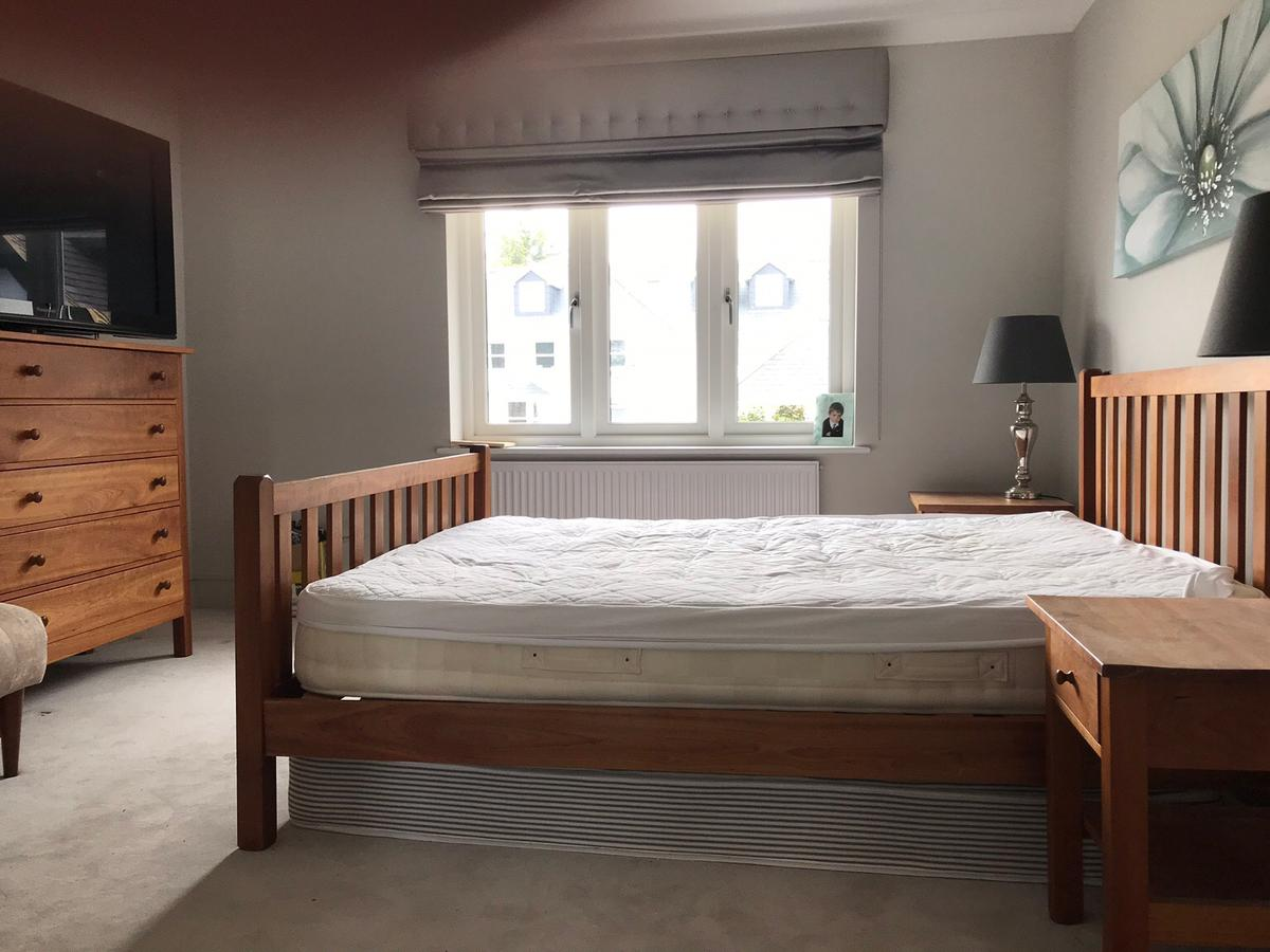 Cherry Wood Bedroom Furniture and Drawers