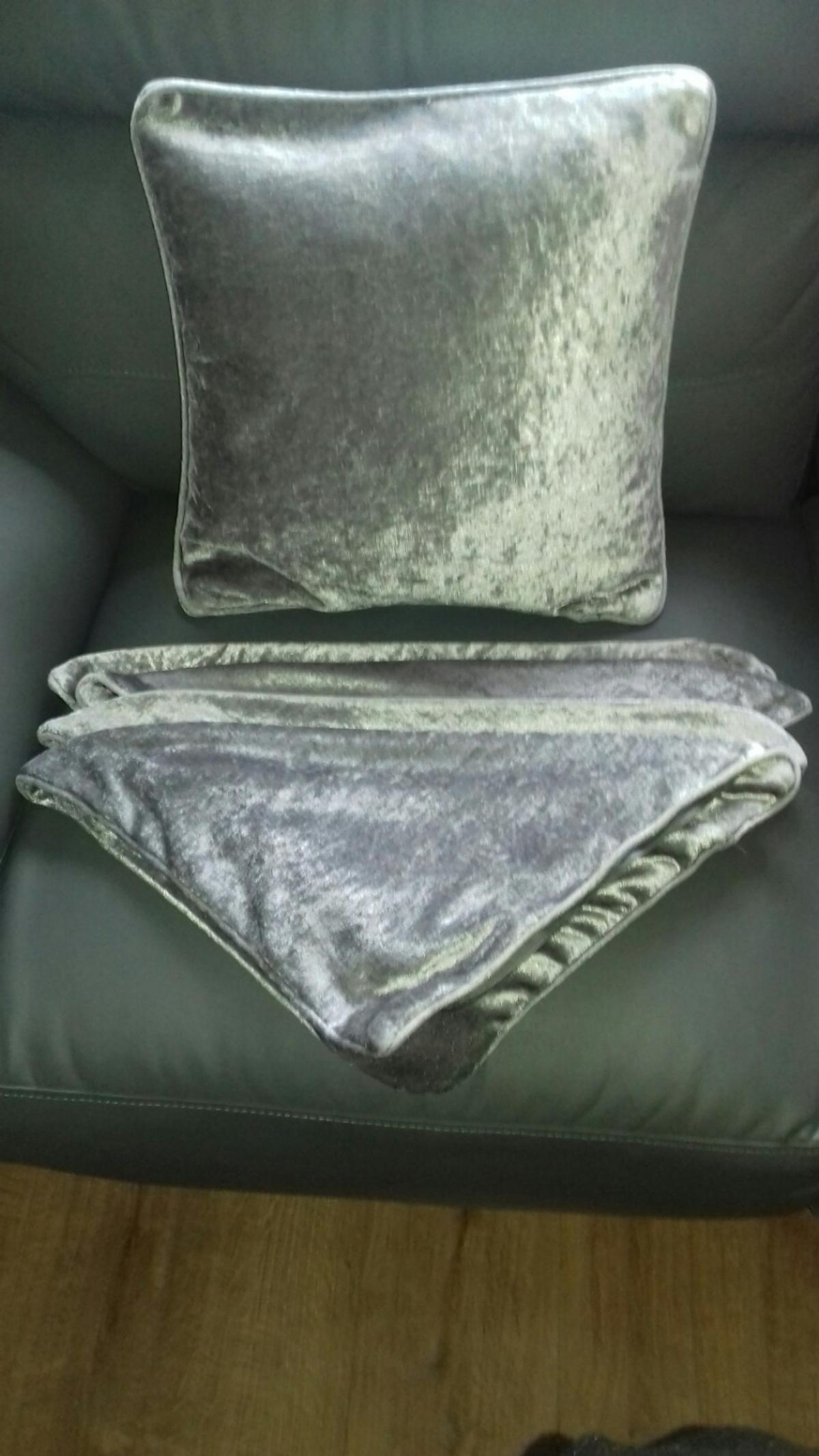 Silver//Grey Crushed Velvet Cushion Cover