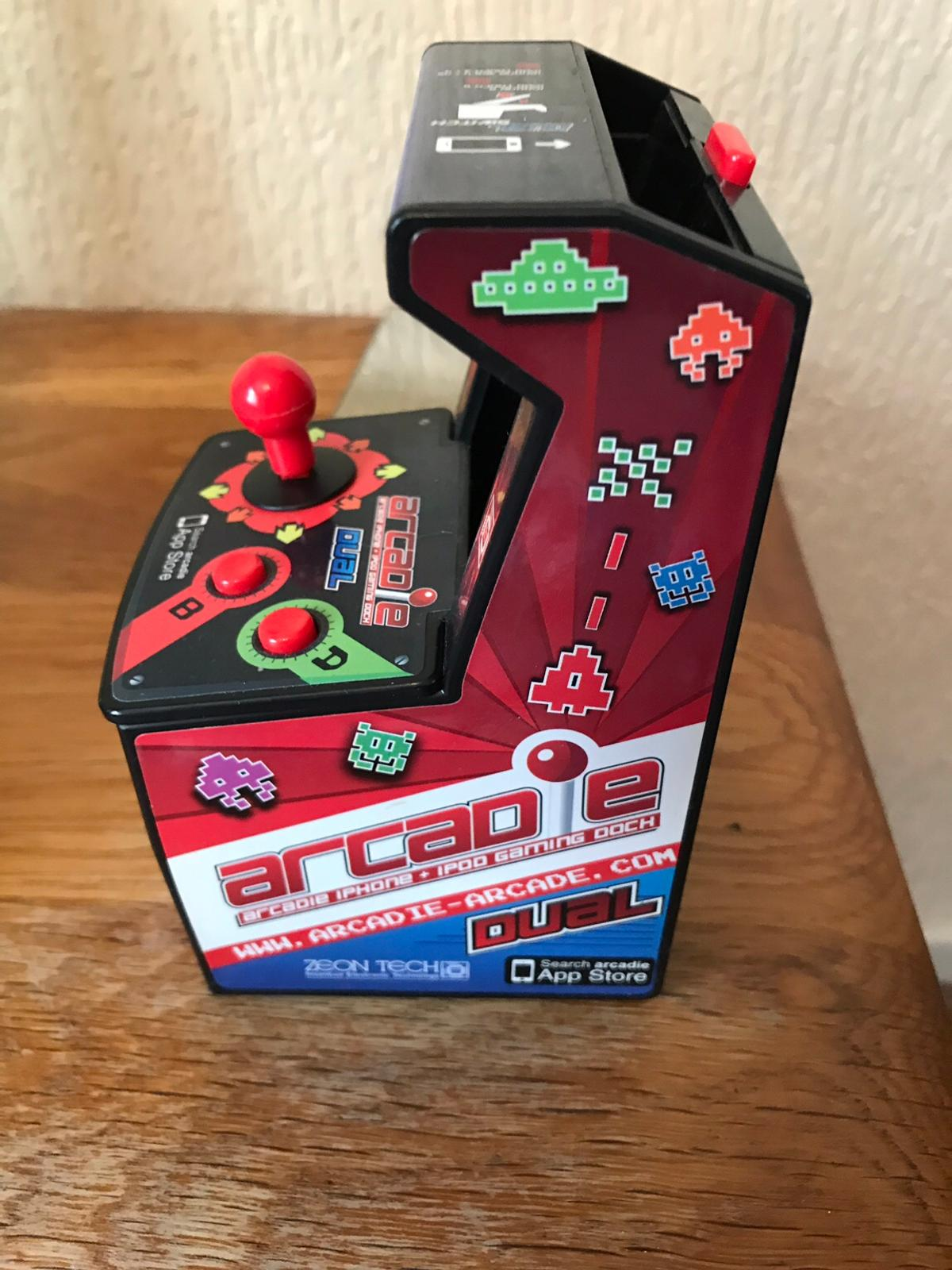 iPhone space invaders arcade game in OL11 Rochdale for £5 00