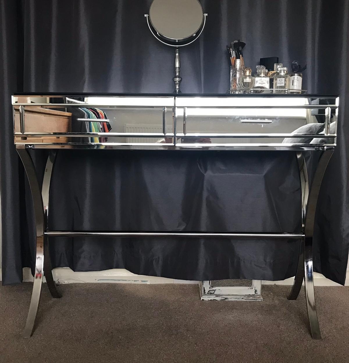 Mirrored And Chrome Dressing Console Table In Sm5 Sutton For 100 00 For Sale Shpock
