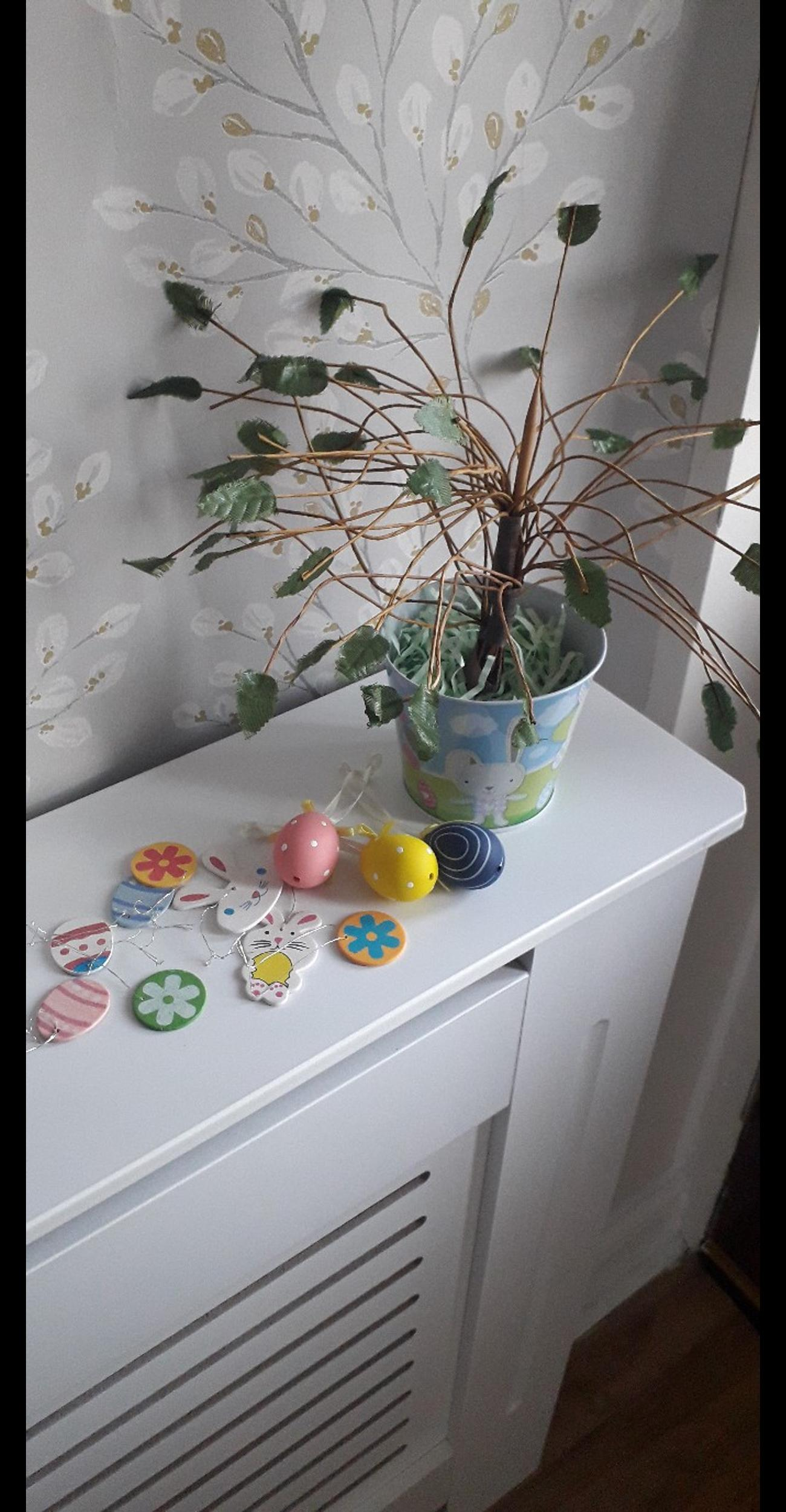 Easter Mini Tree With 11 Decorations