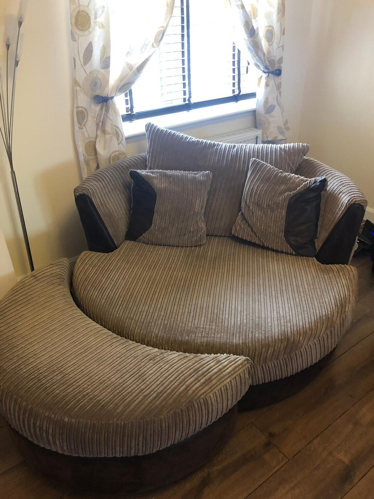 Dfs Large 3 Seater Cuddle Chair