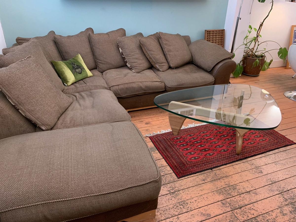 best sneakers fafb6 393d8 Large Comfortable Corner Sofa in E14 Hamlets for £250.00 for ...