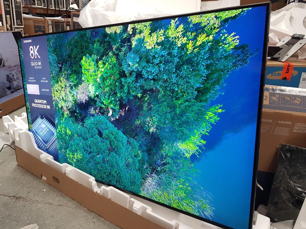 75 inches Samsung Qled 8K for sale RRP £5200 in B16