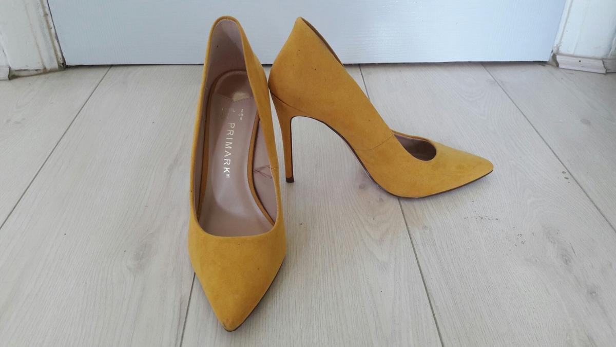 83bd5779def Mustard Yellow High Heel in B44 Birmingham for £10.00 for sale - Shpock