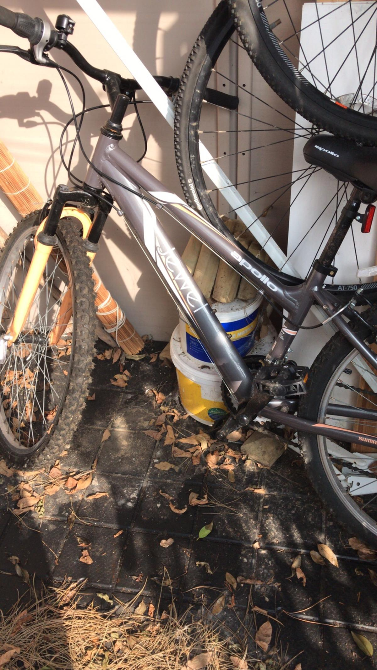 Girls Apollo Halfords mountain bike in BN14 Worthing for £90 00 for