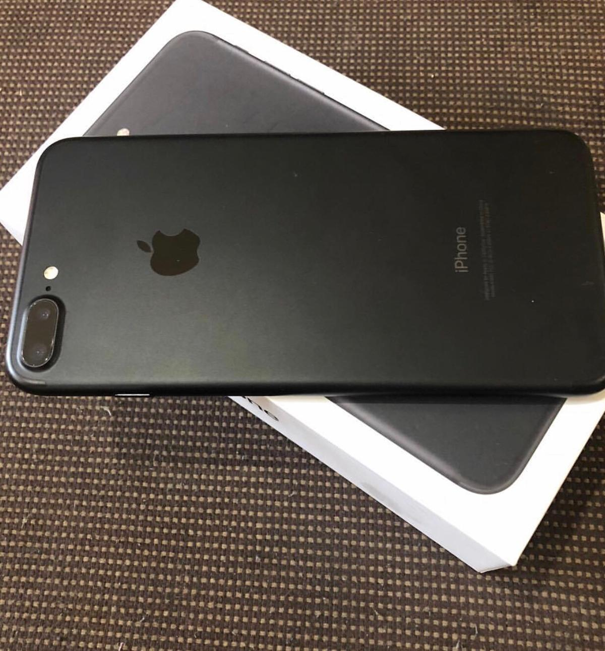 iphone 7 nero con cover