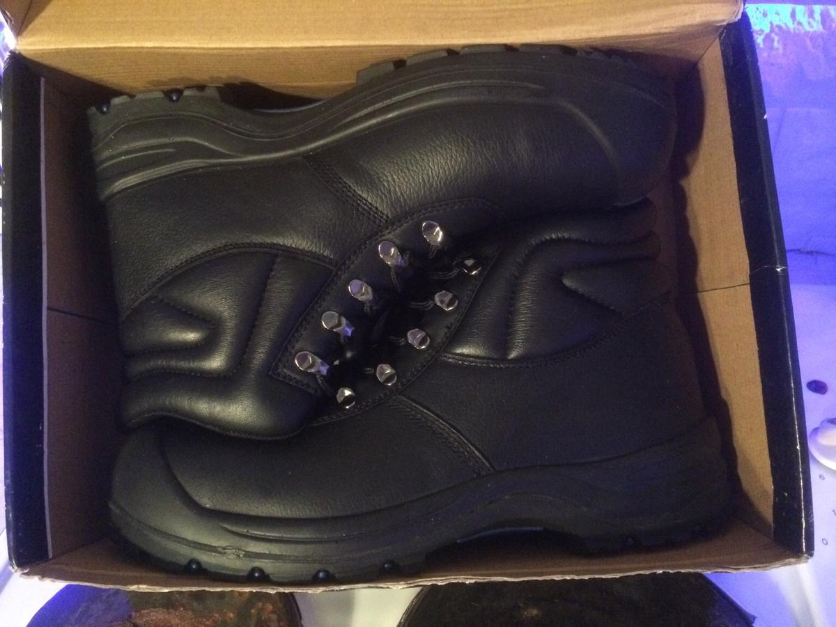 ddaac9c8d NEW & BOXED ARCO safety boots Sz uk 12 black