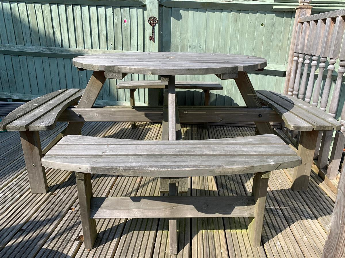 Prime Garden Pub Style Table Benchs In Bn24 Eastbourne For 30 00 Beatyapartments Chair Design Images Beatyapartmentscom