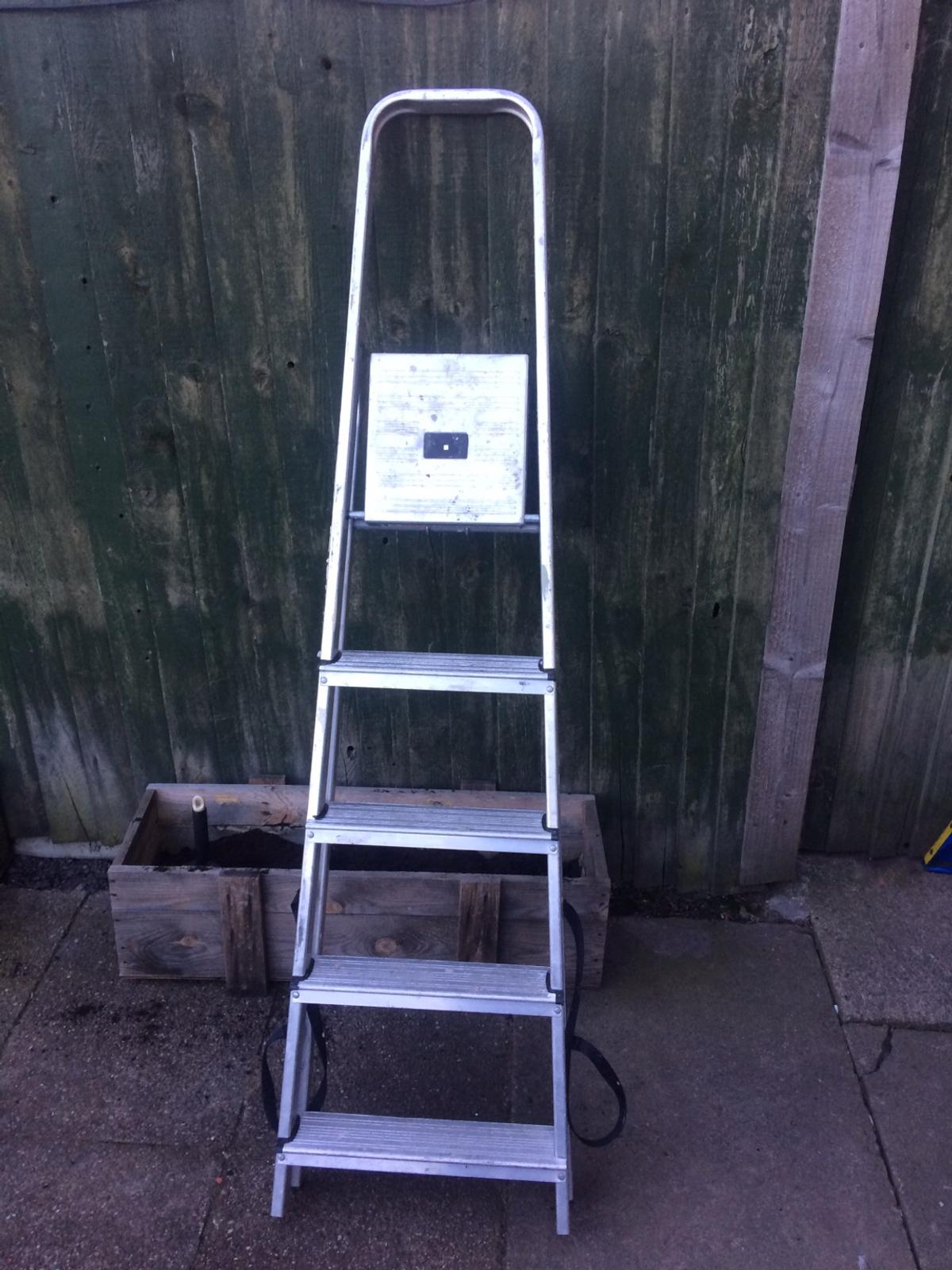 Prime Abru Werner Step Ladder In Dy4 Sandwell For 15 00 For Sale Bralicious Painted Fabric Chair Ideas Braliciousco