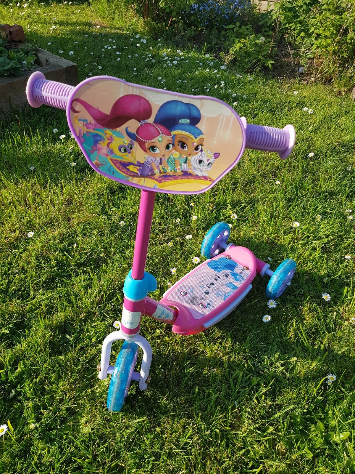 c0ba19e417c shimmer and shine scooter in TA24 Taunton for £5.00 for sale - Shpock