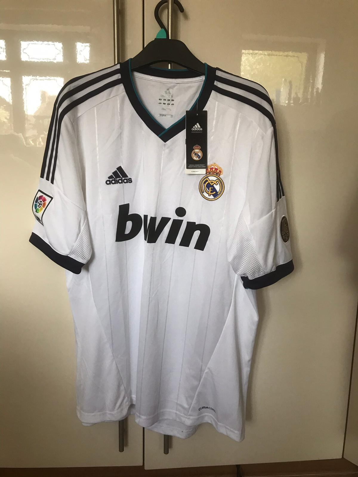 detailing 29ad1 9af7a Men's Real Madrid Shirt and Shorts in Northop Hall for ...