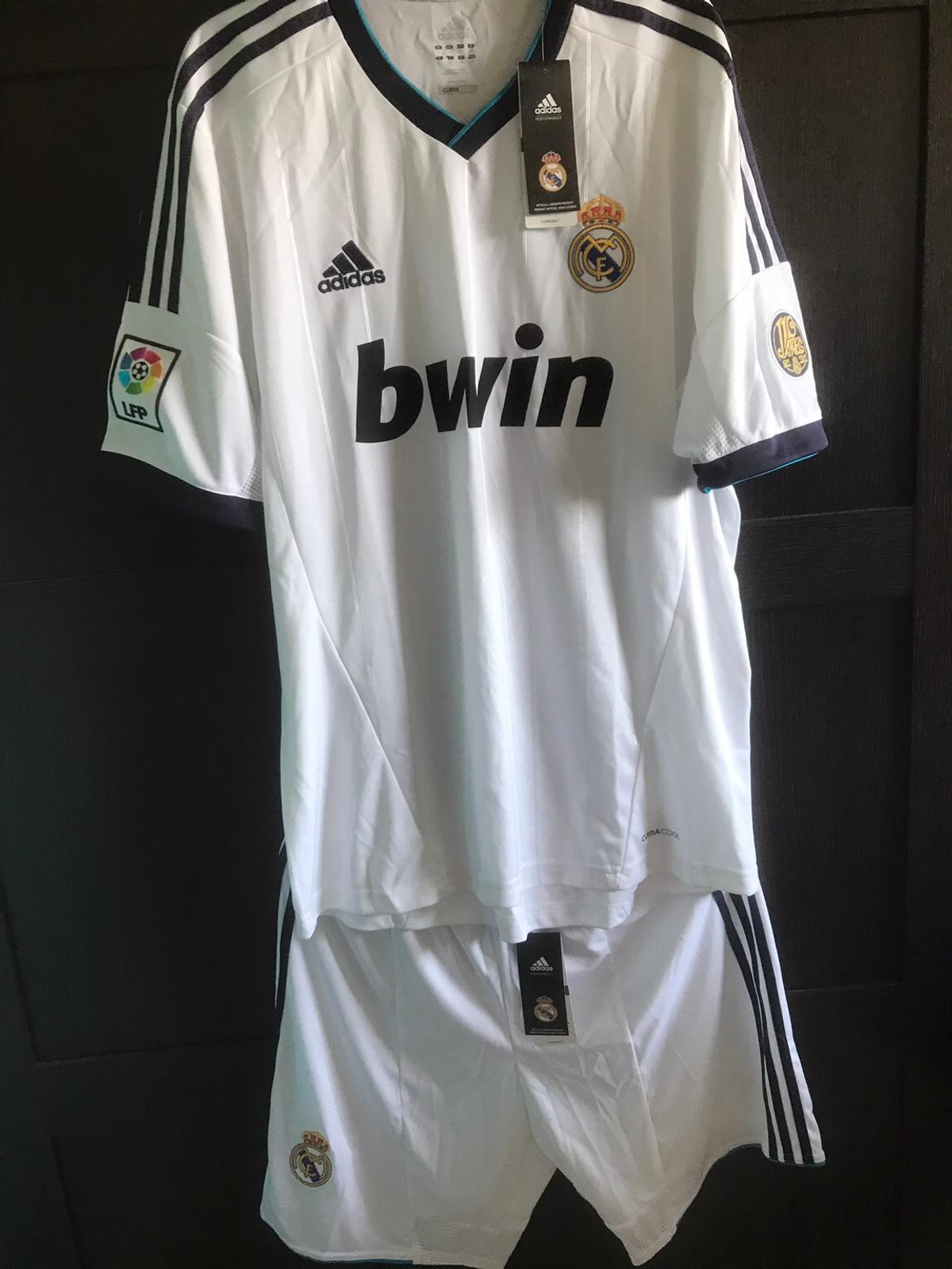 detailing 2aeb4 dde2a Men's Real Madrid Shirt and Shorts in Northop Hall for ...