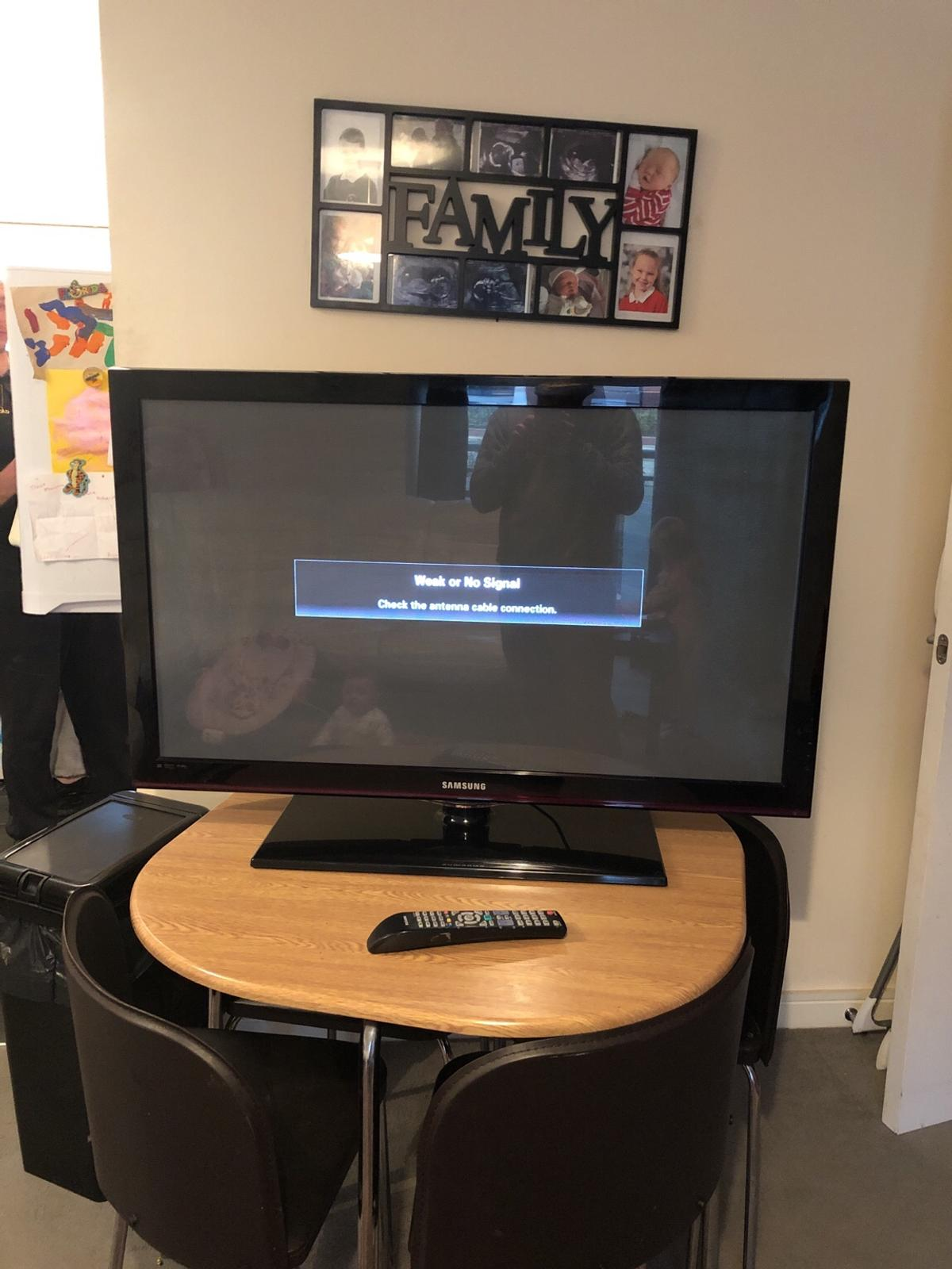 Sansung 42' flat screen tv in Middle Weald for £70 00 for