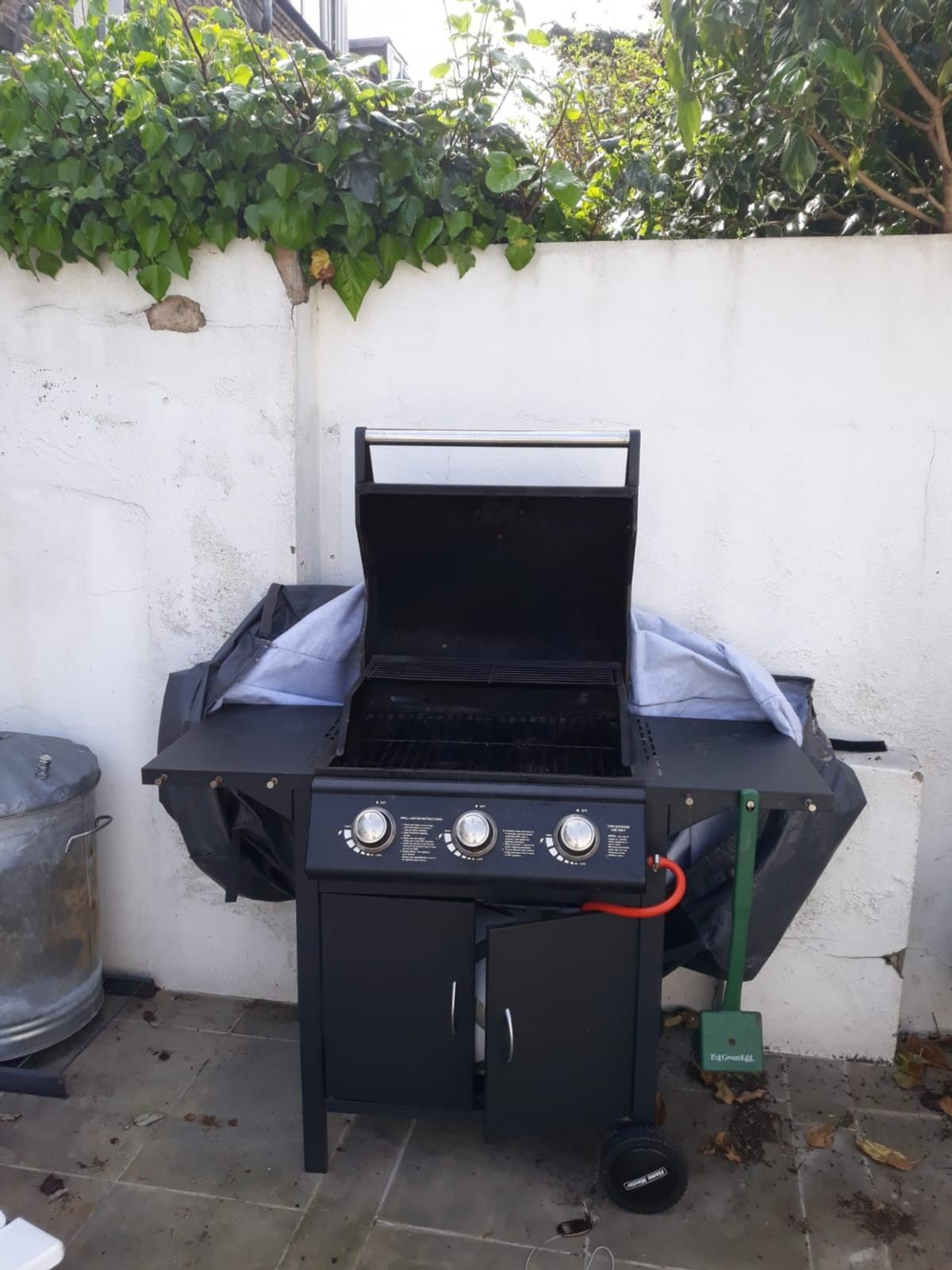 Flame Master Bbq Grill.Flame Master Bbq Gas 3 Burnners In W6 London Fur 120 00