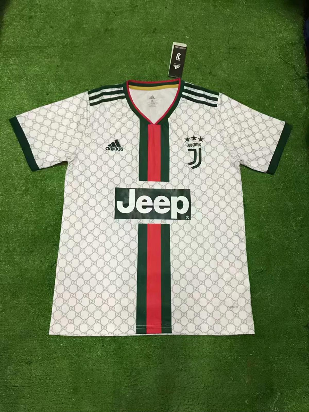 f9a182286 Juventus Gucci Concept Shirt in L2 利物浦 for £13.00 for sale - Shpock