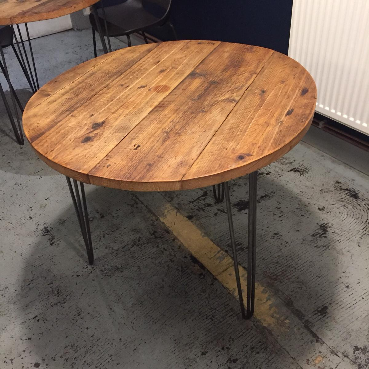 - Round Vintage Table With Hairpin Legs In SW9 London Für 90,00