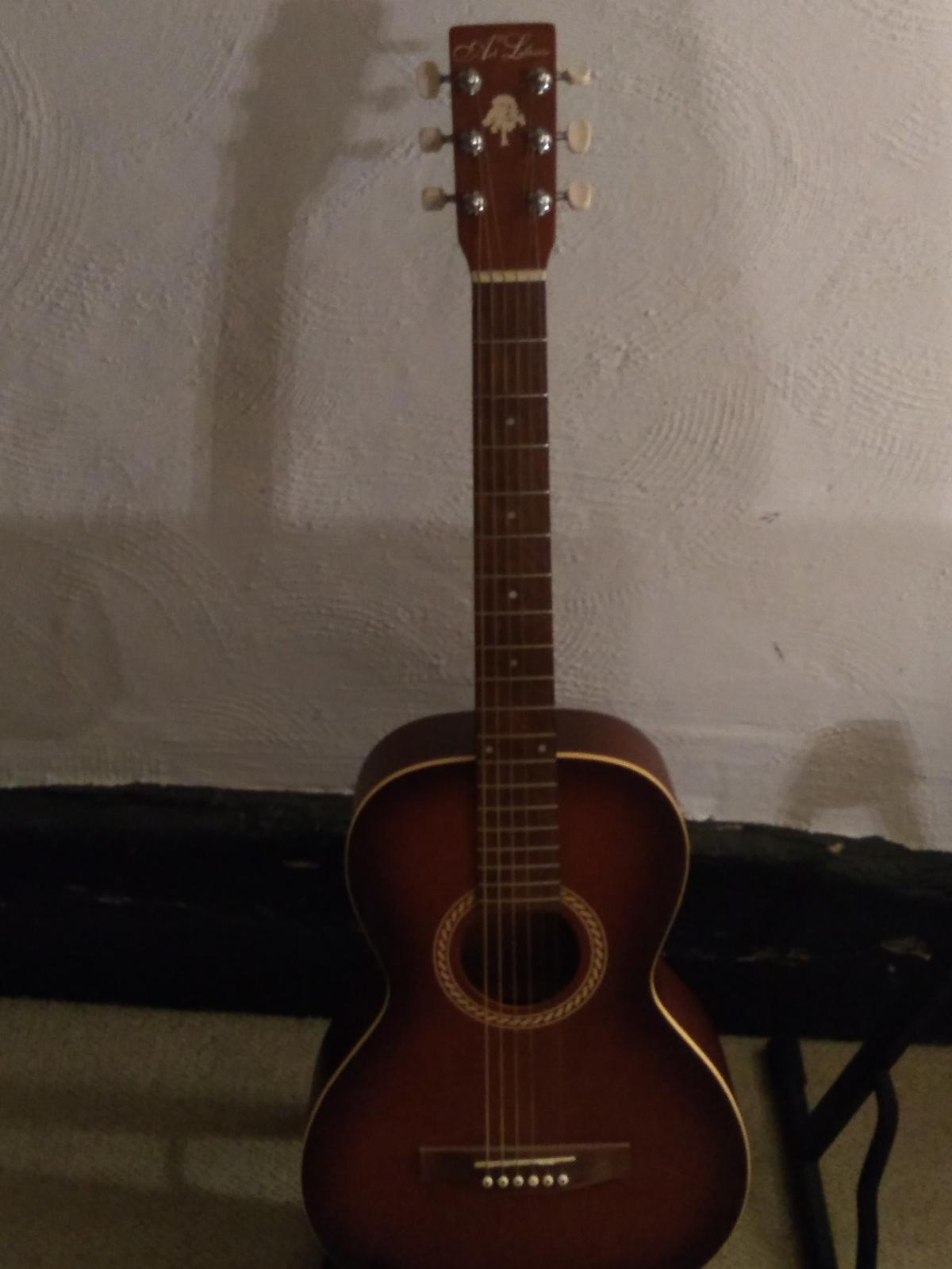 Art &Lutherie in CO16 Tendring for £75 00 for sale - Shpock