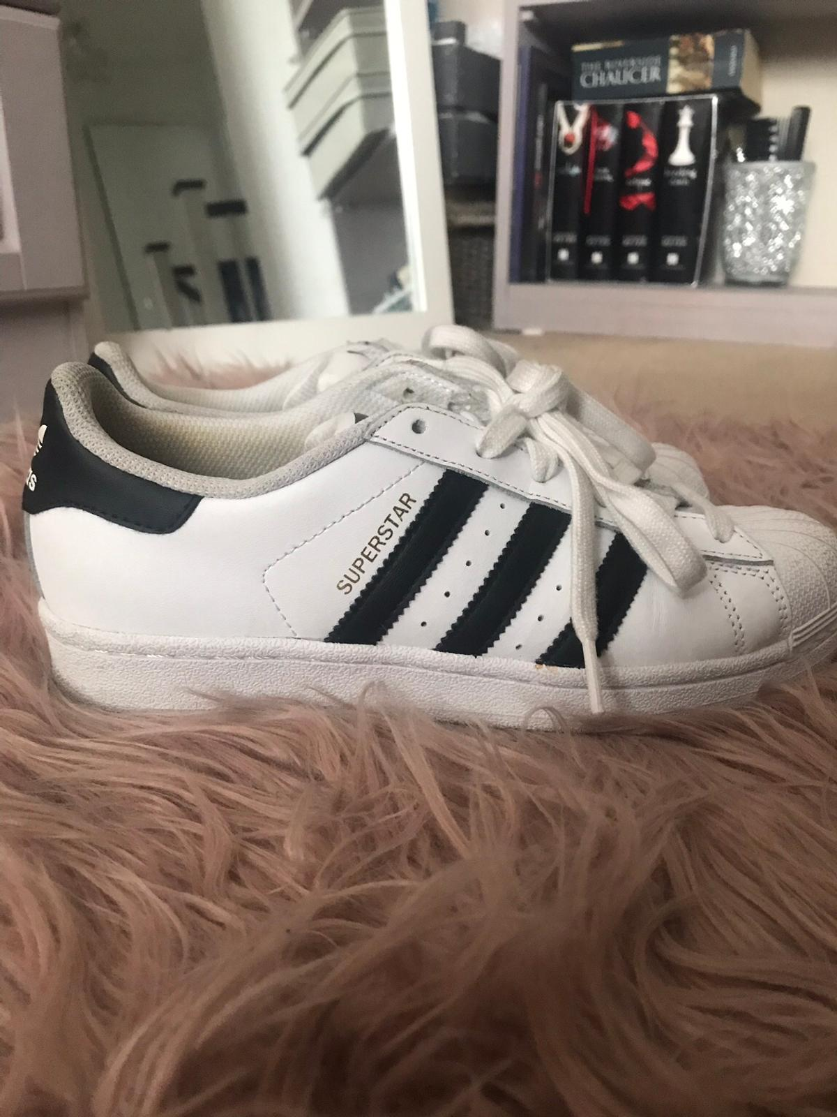low priced aea56 42d34 Adidas Superstar trainers Size 4 in E14 Hamlets for £12.00 ...
