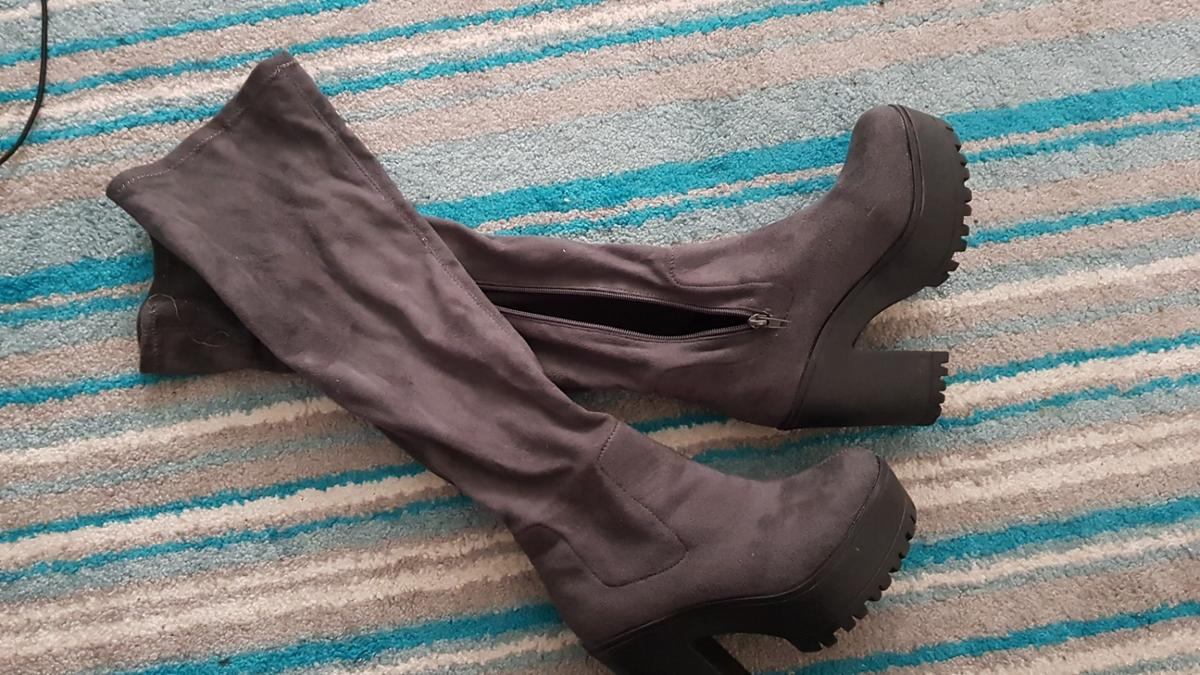 size 3 boot heels, worn once in really good condition.