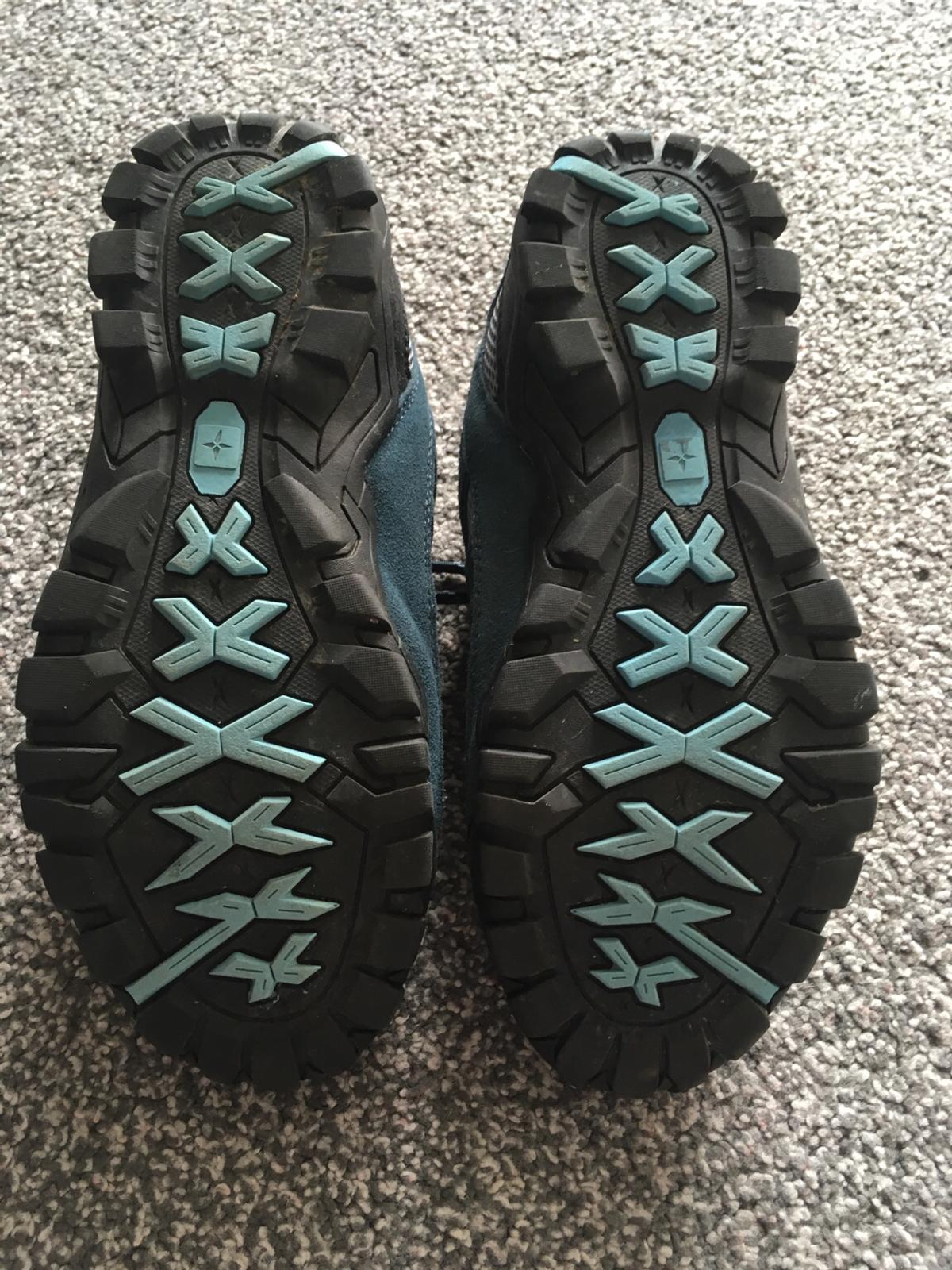 Mountain warehouse shoes Only worn a few times Excellent condition