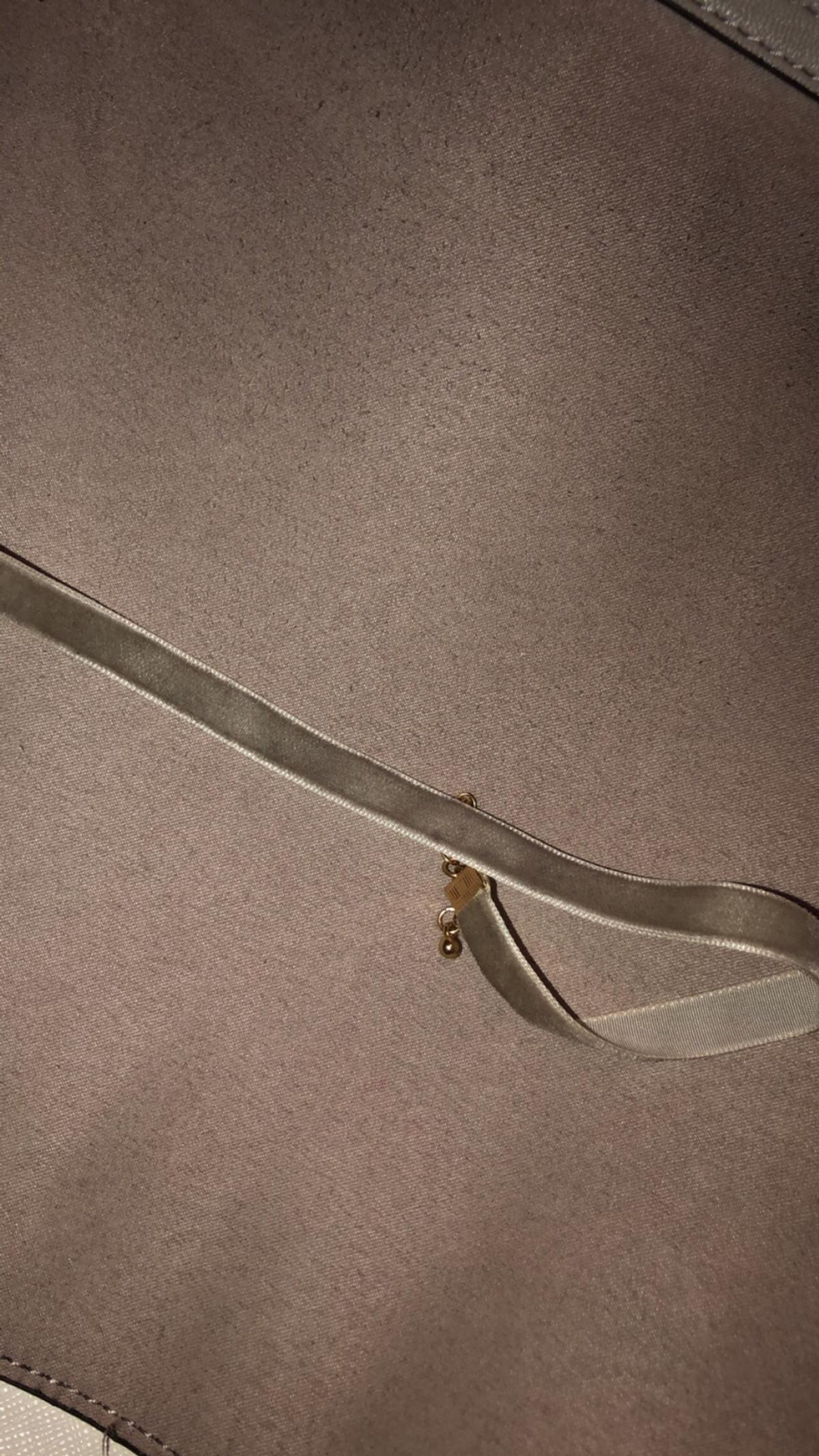 Grey Velvet Choker. Brand new from New Look. Open to offers