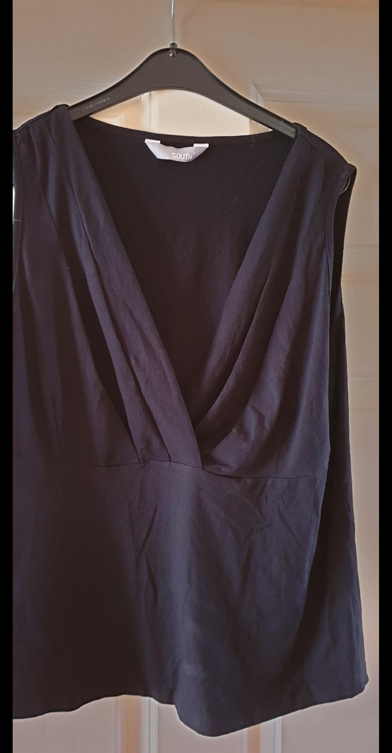 Black crossover top size 18