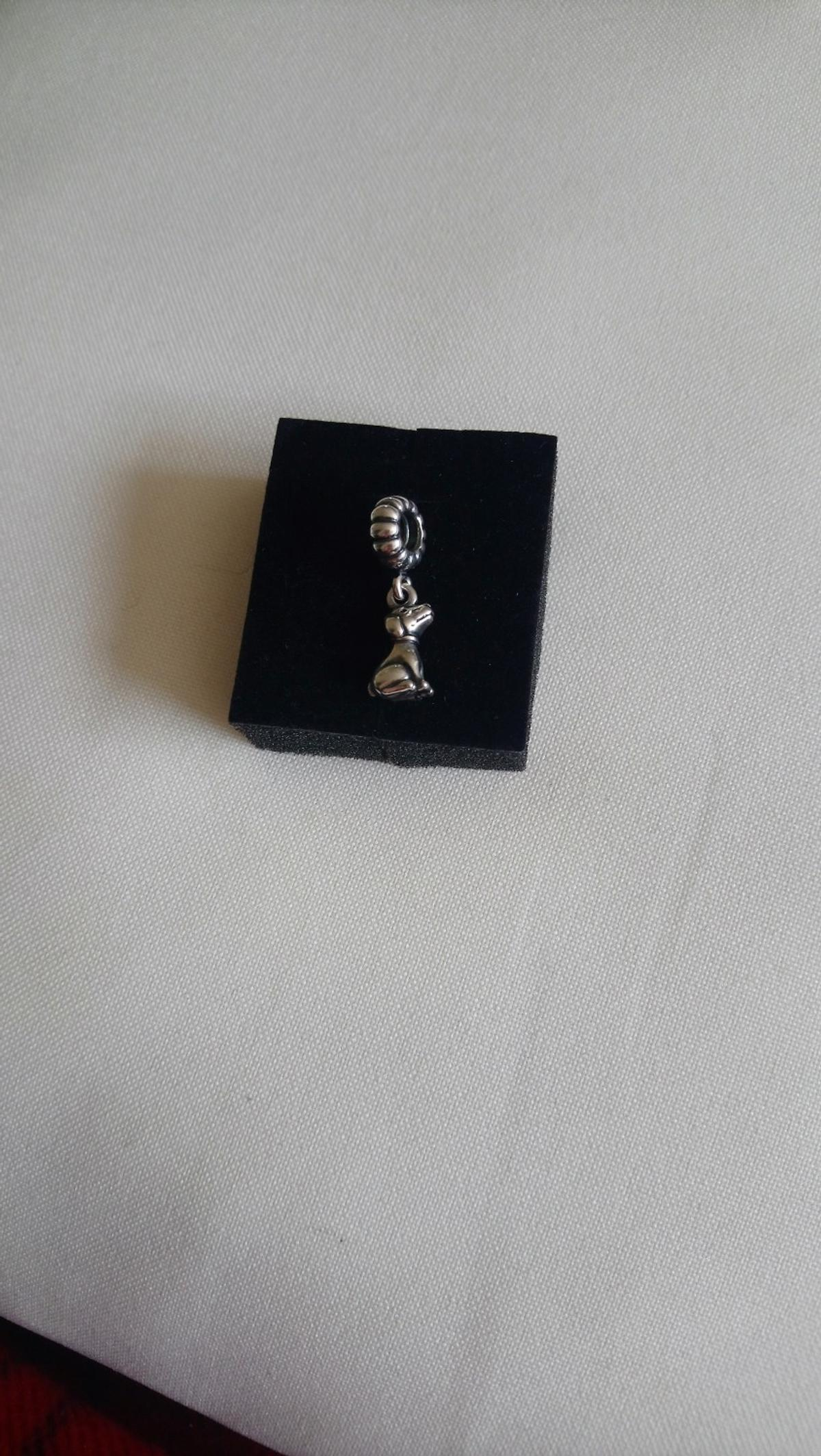 Dangling dog charm, great condition