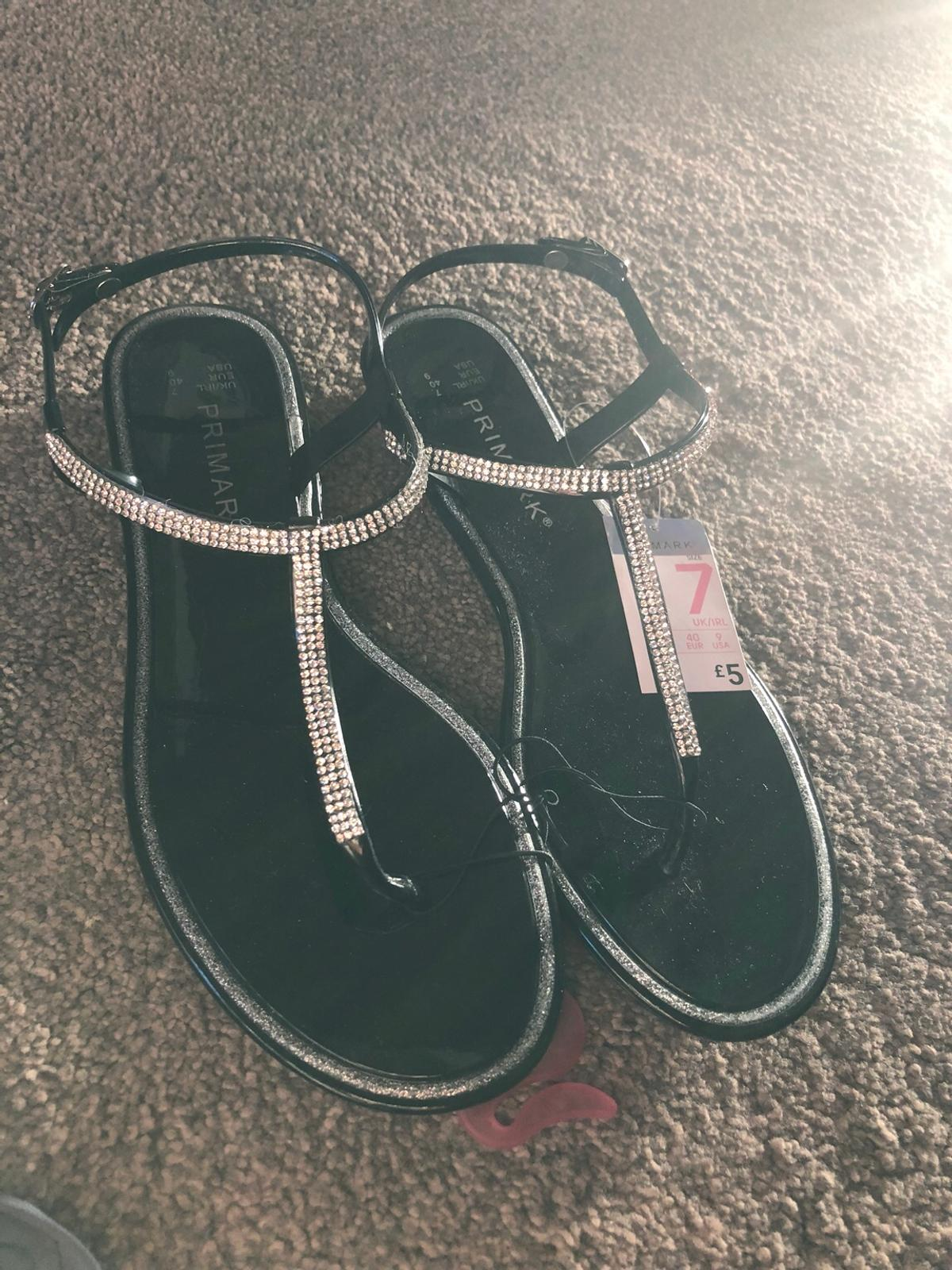 Size 7 Brand new with label