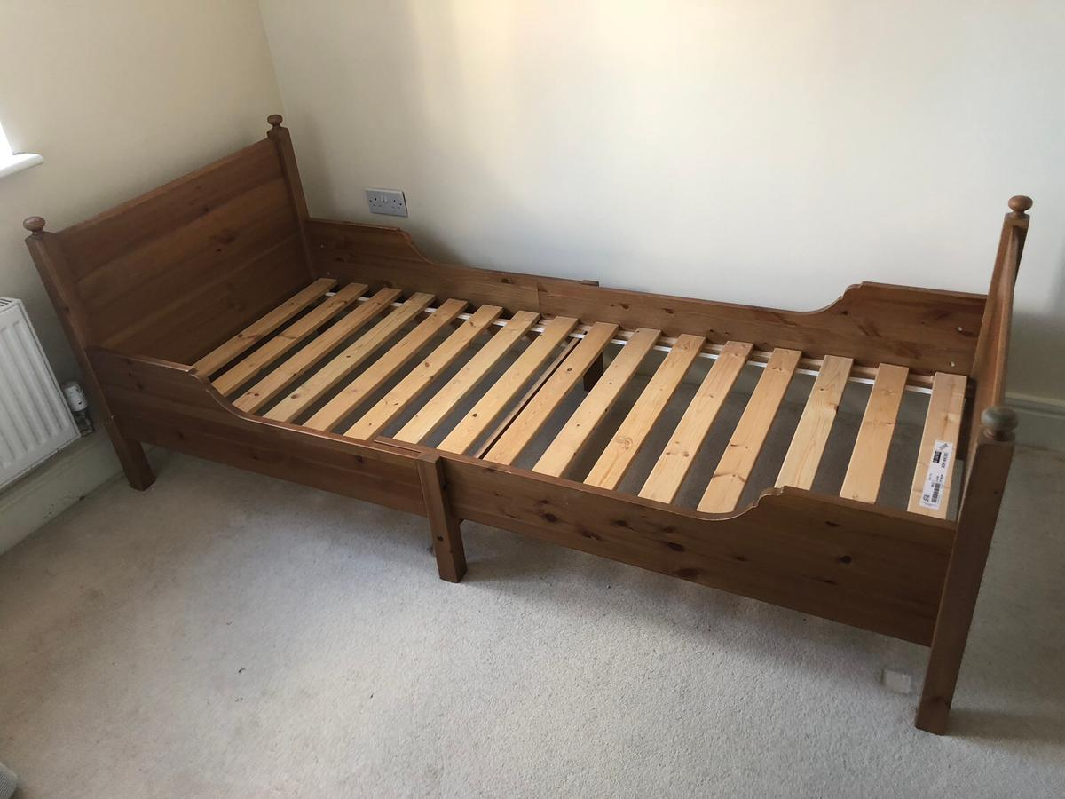 Ikea extendable bed great for toddlers and up, due to the versatility will fit in any room. Great condition looking for a new home.... pick up only from MK14 area.