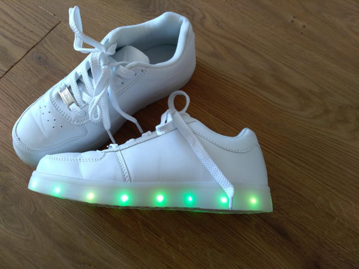 online store 5d231 a699a LED Leuchtschuhe Kinder Gr 37 in 5221 Lochen am See for ...
