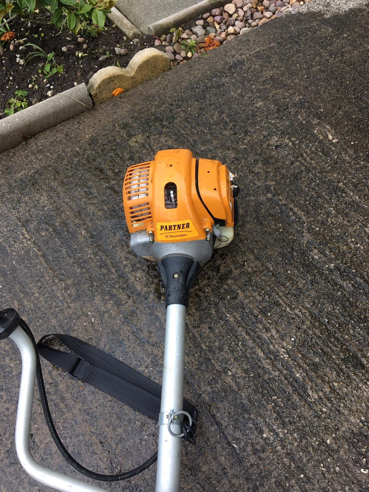 Petrol strimmer brush cutter in L36 Knowsley for £80 00 for sale