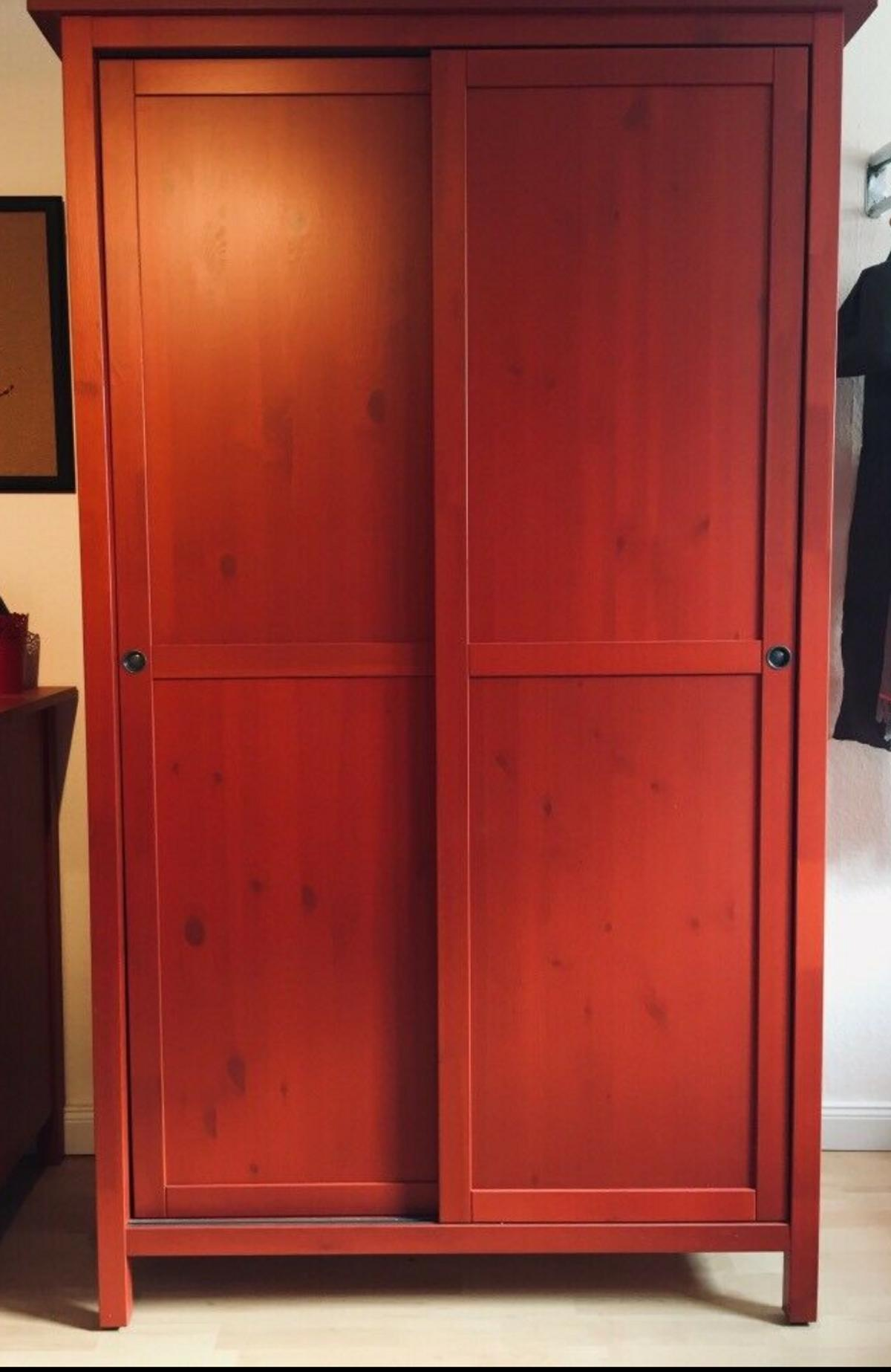 Ikea Hemnes Kleiderschrank Rot In 6800 Feldkirch For 200 00 For