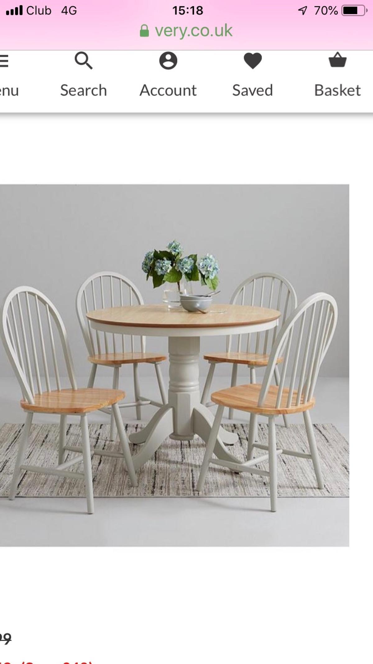 Farmhouse round dining table and 9 chairs in WN9 Wigan für 9,9 ...