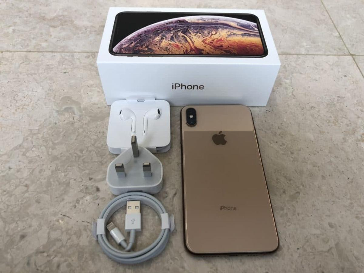 Blacklisted IPhone XS Max unlocked 64GB