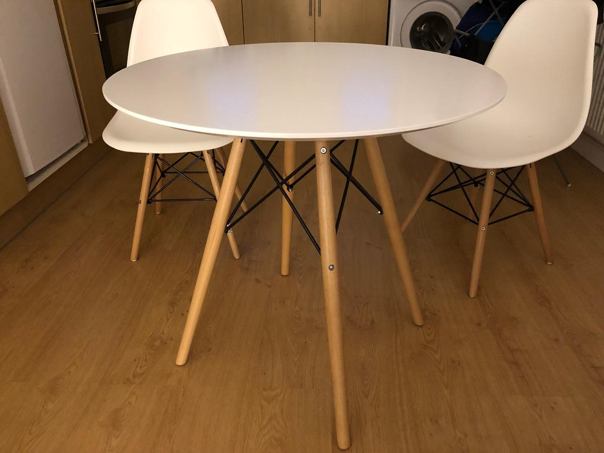 Fabulous Round 4 Seater Dining Table With 2 Chairs Download Free Architecture Designs Scobabritishbridgeorg