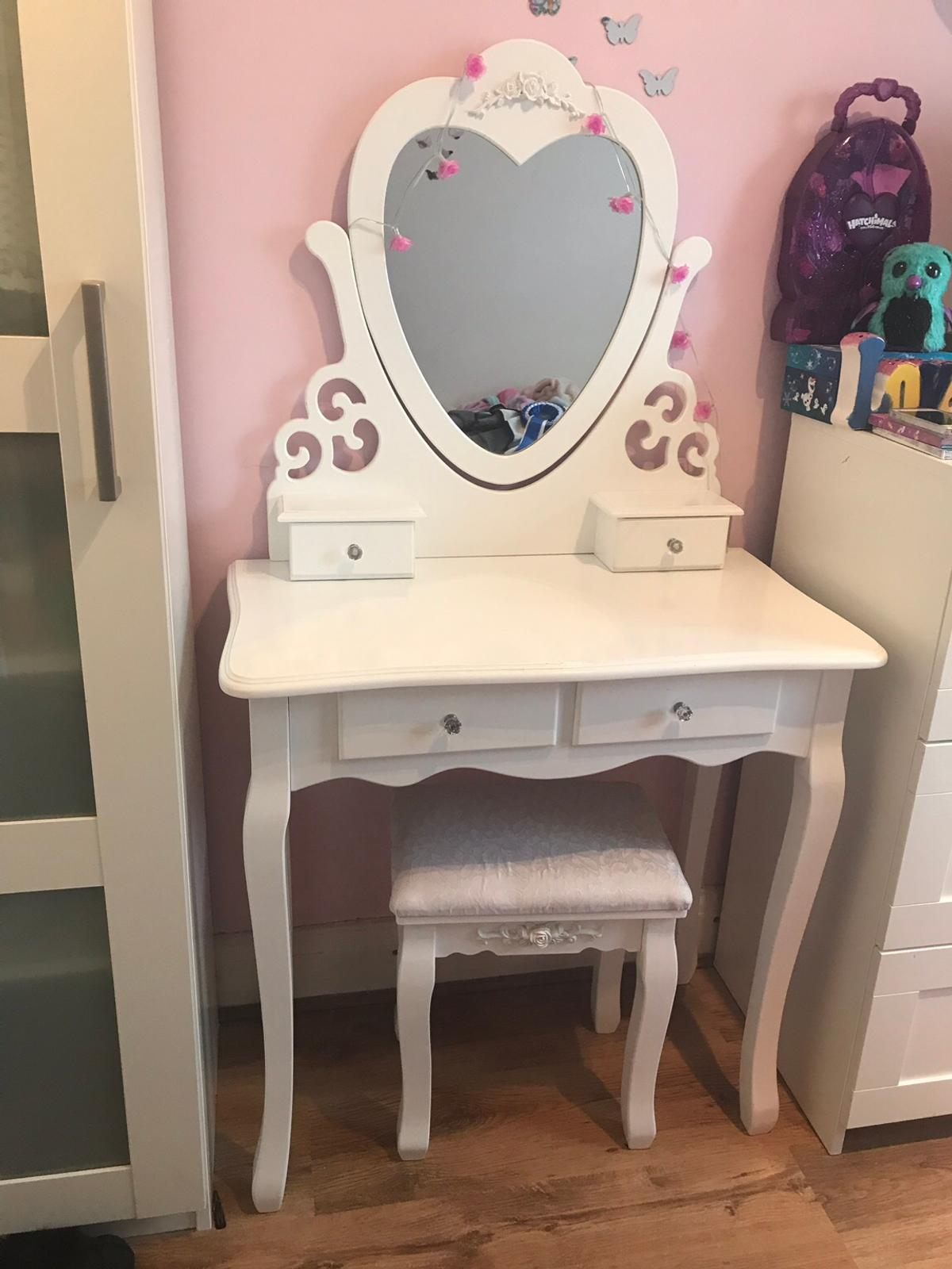 Girls Dressing Table And Chair