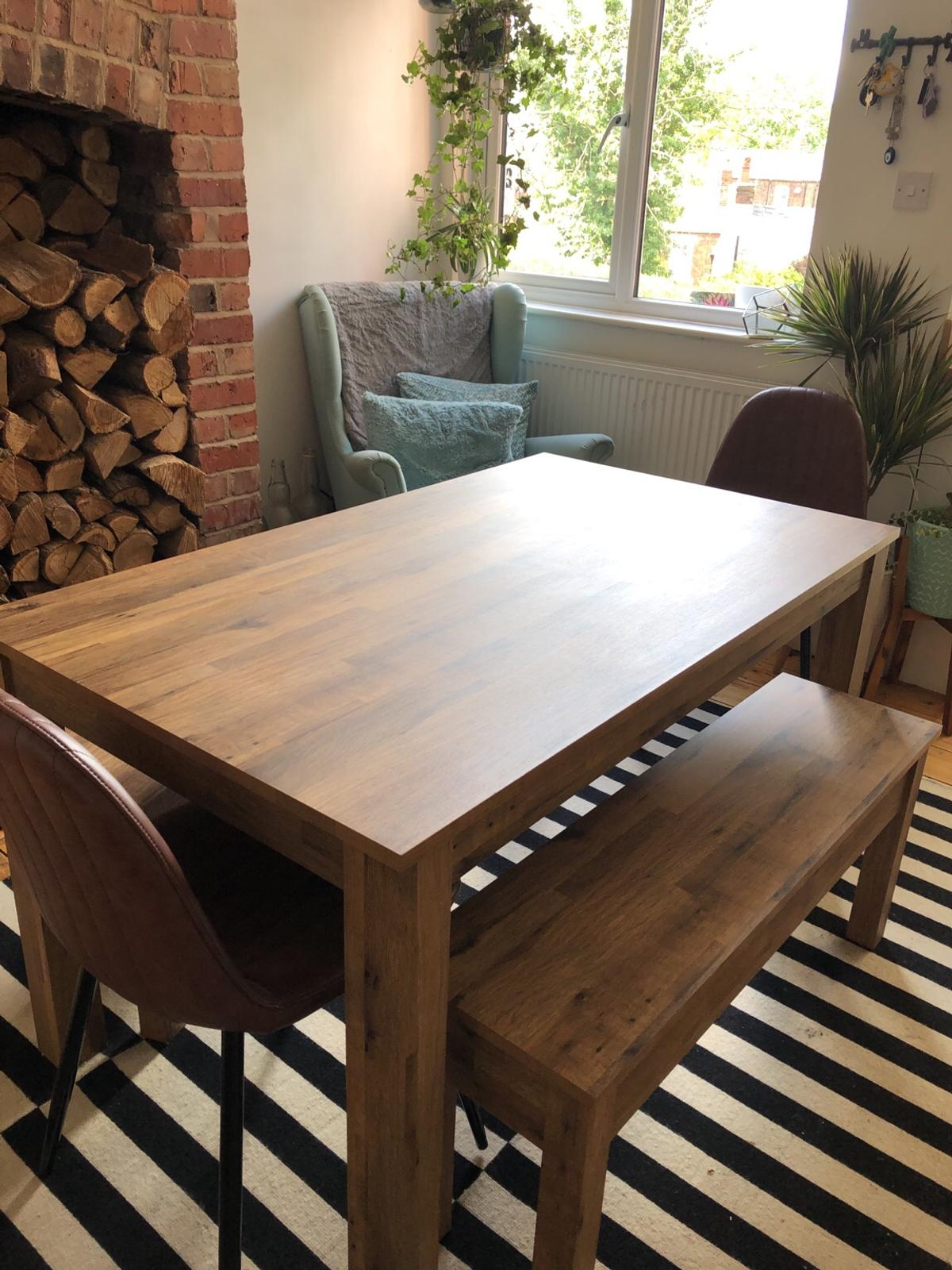 Wooden dining table and bench set in SK9 Stockport für £ 290,9 ...