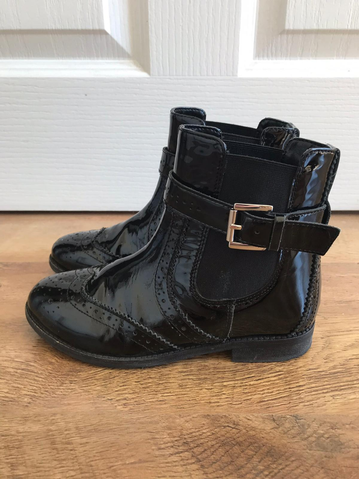 3b5bb227c Description. Mini Miss KG Kurt Geiger Girls boots. Size 13. Black patent