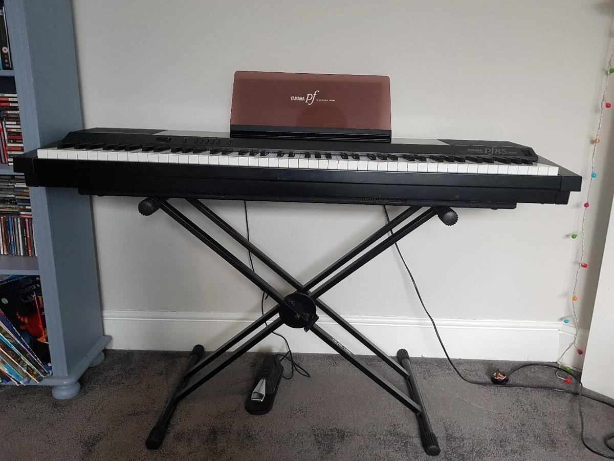 Yamaha electronic piano pf85 in SM1 Sutton für 40,00
