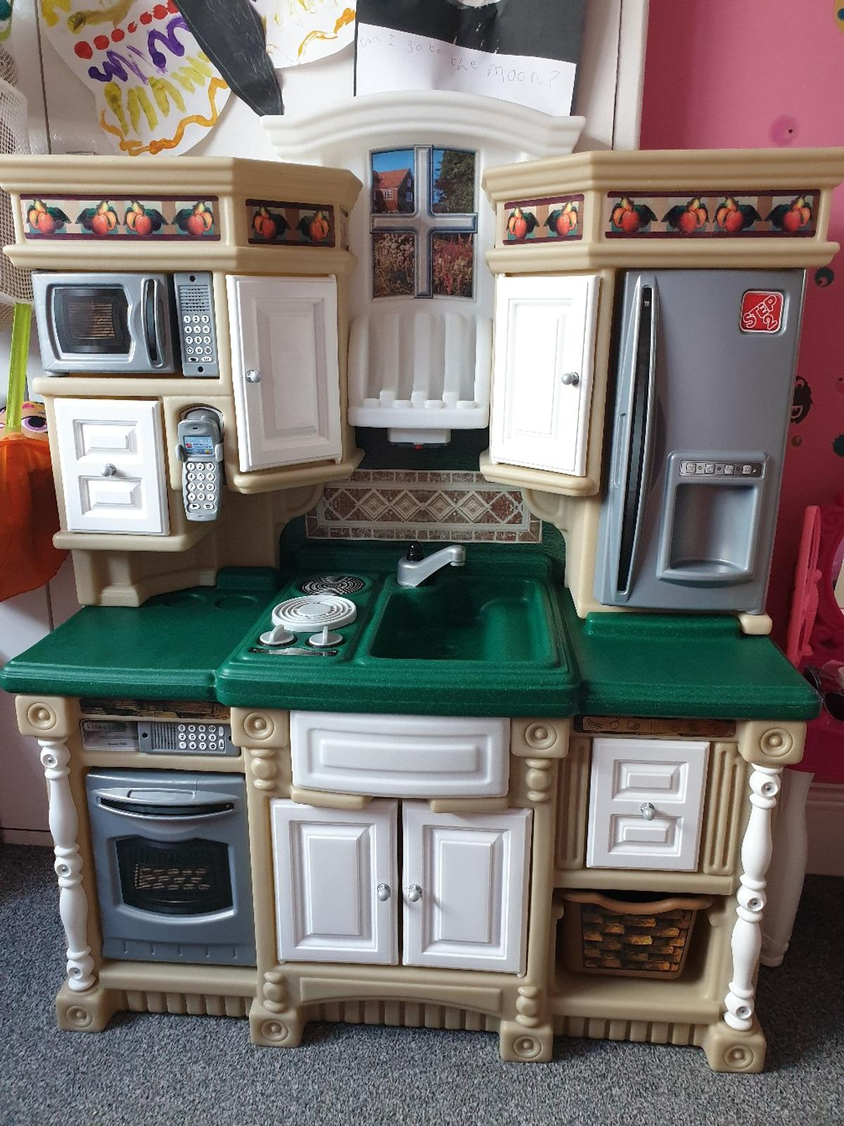 Step 2 Kids Toy Country Kitchen In Ch44 Wirral Fur 45 00
