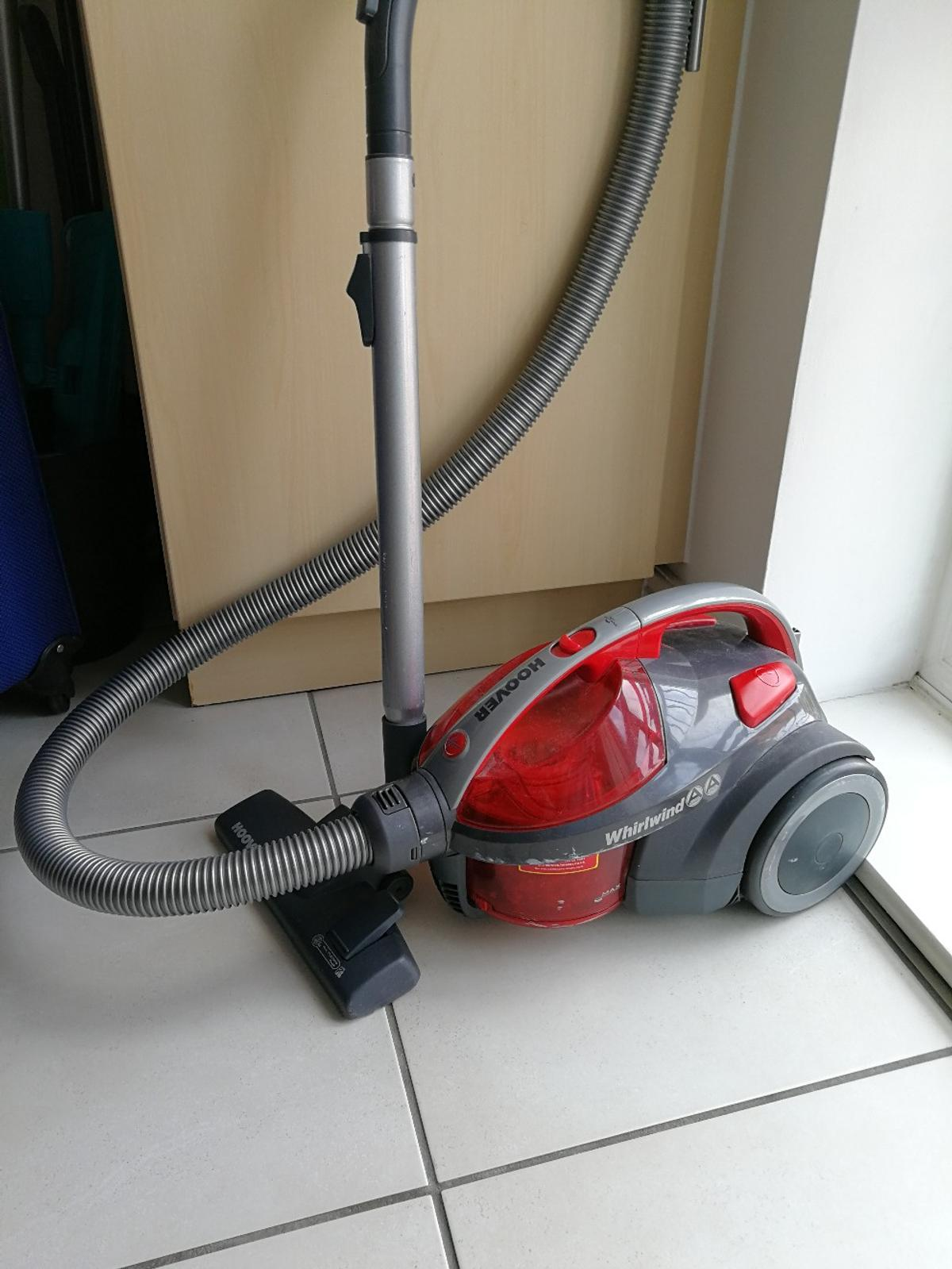 Bagless Cylinder Vacuum Cleaner