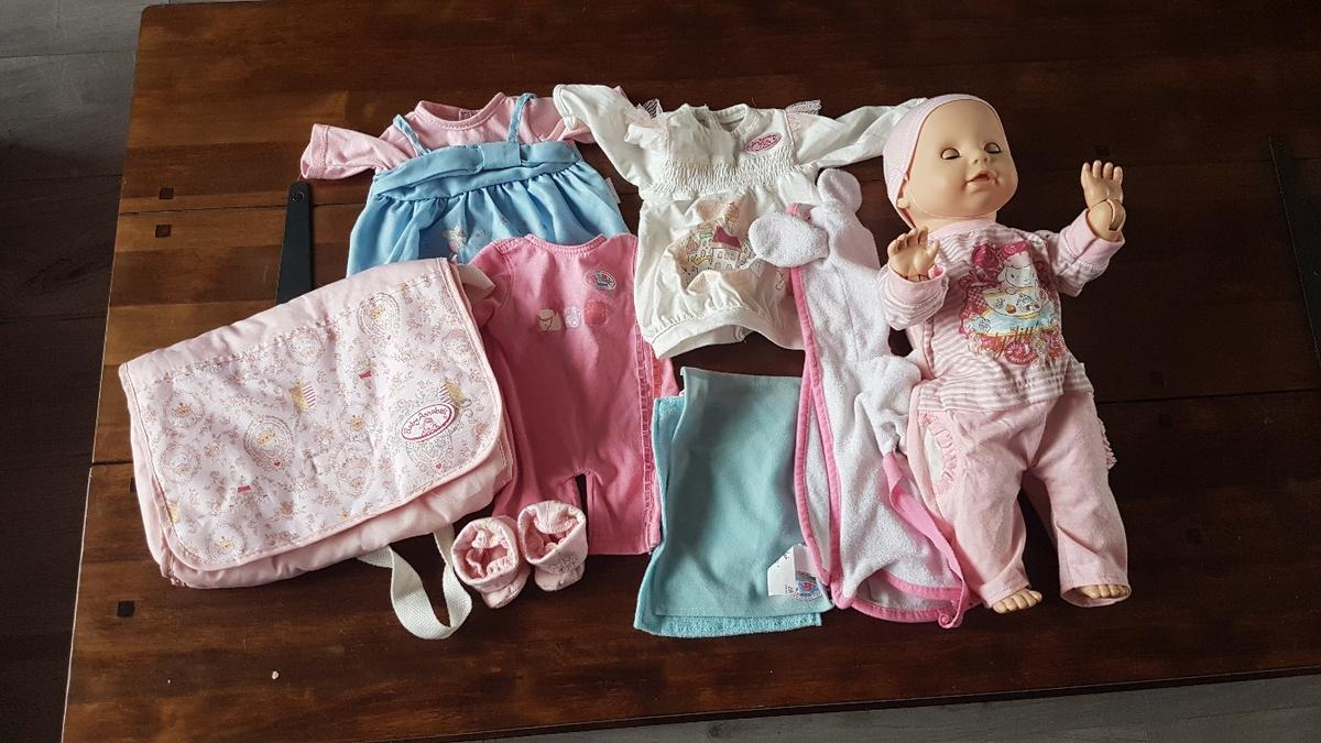 Baby Annabelle high chair,doll and other bits