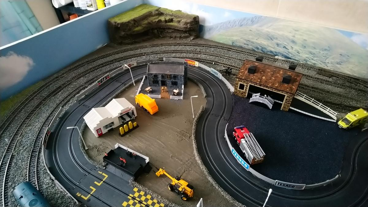 oo Gauge layout with hot wheels track in PE14 0DY King's