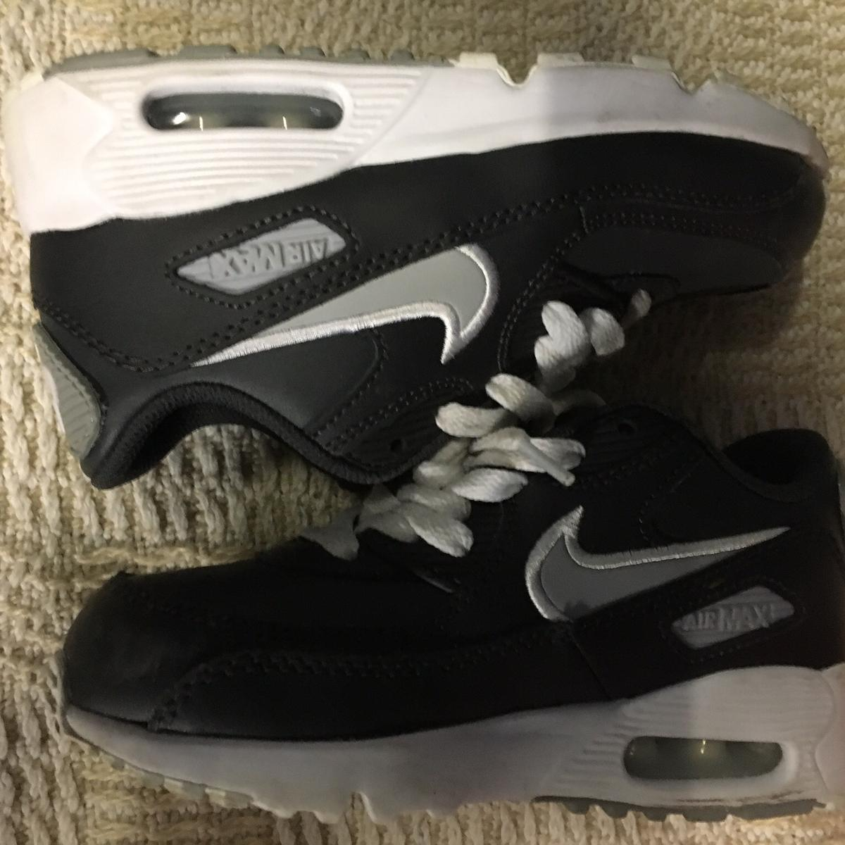 c6933203322e2 Kids Nike air max trainers uk-12 in RM11 Havering for £20.00 for sale -  Shpock