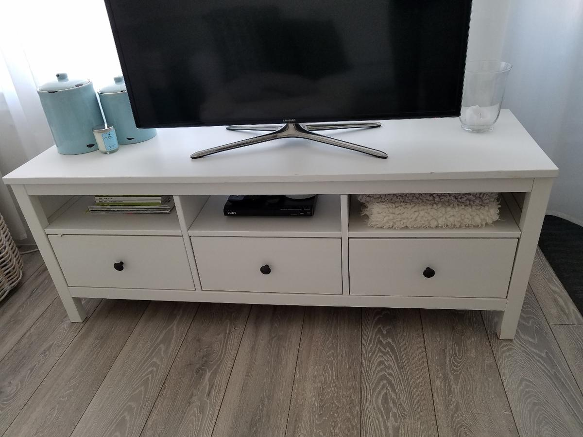 Astounding Ikea Hemnes Tv Unit In White Rrp 165 Alphanode Cool Chair Designs And Ideas Alphanodeonline