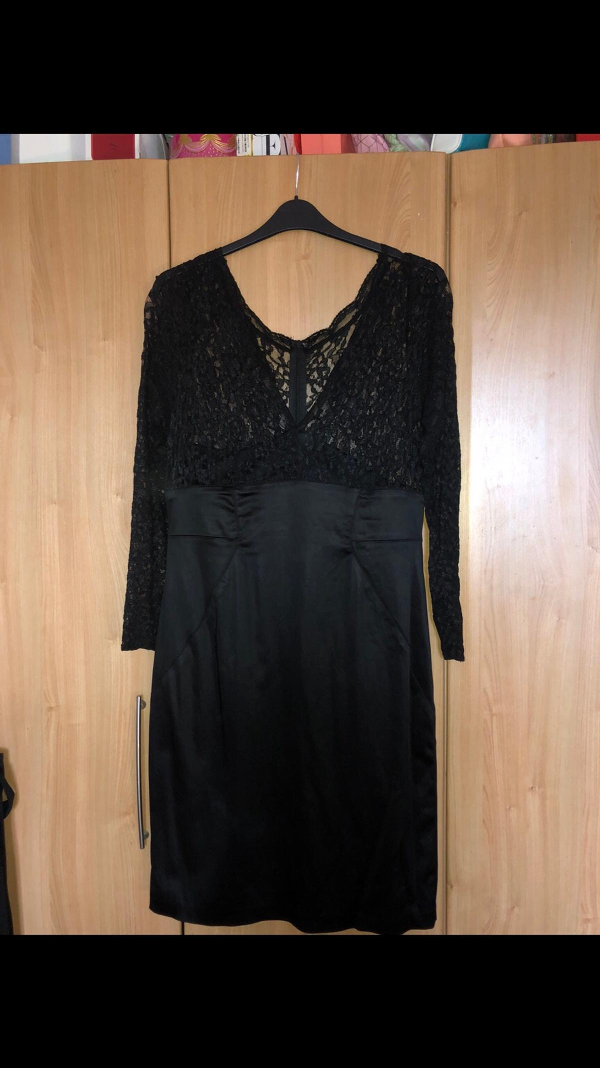 Ladies Black Lace Topped Fitted Dress Size 18