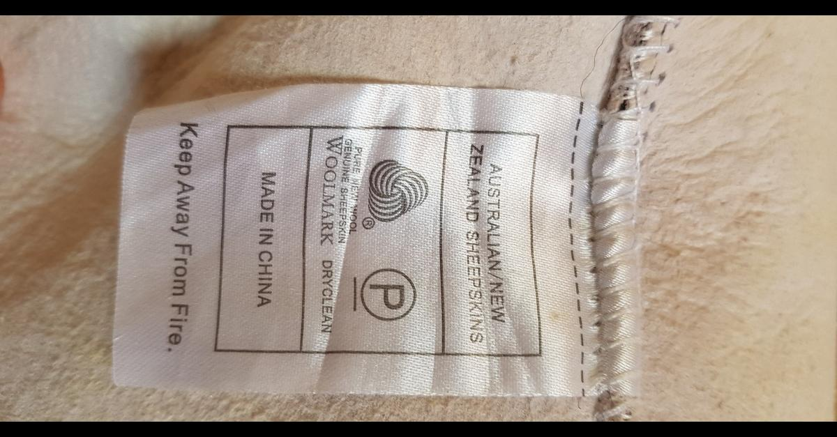 Picture of: Costco Xl Genuine Sheepskin Rug In Bl3 Bolton For 25 00 For Sale Shpock