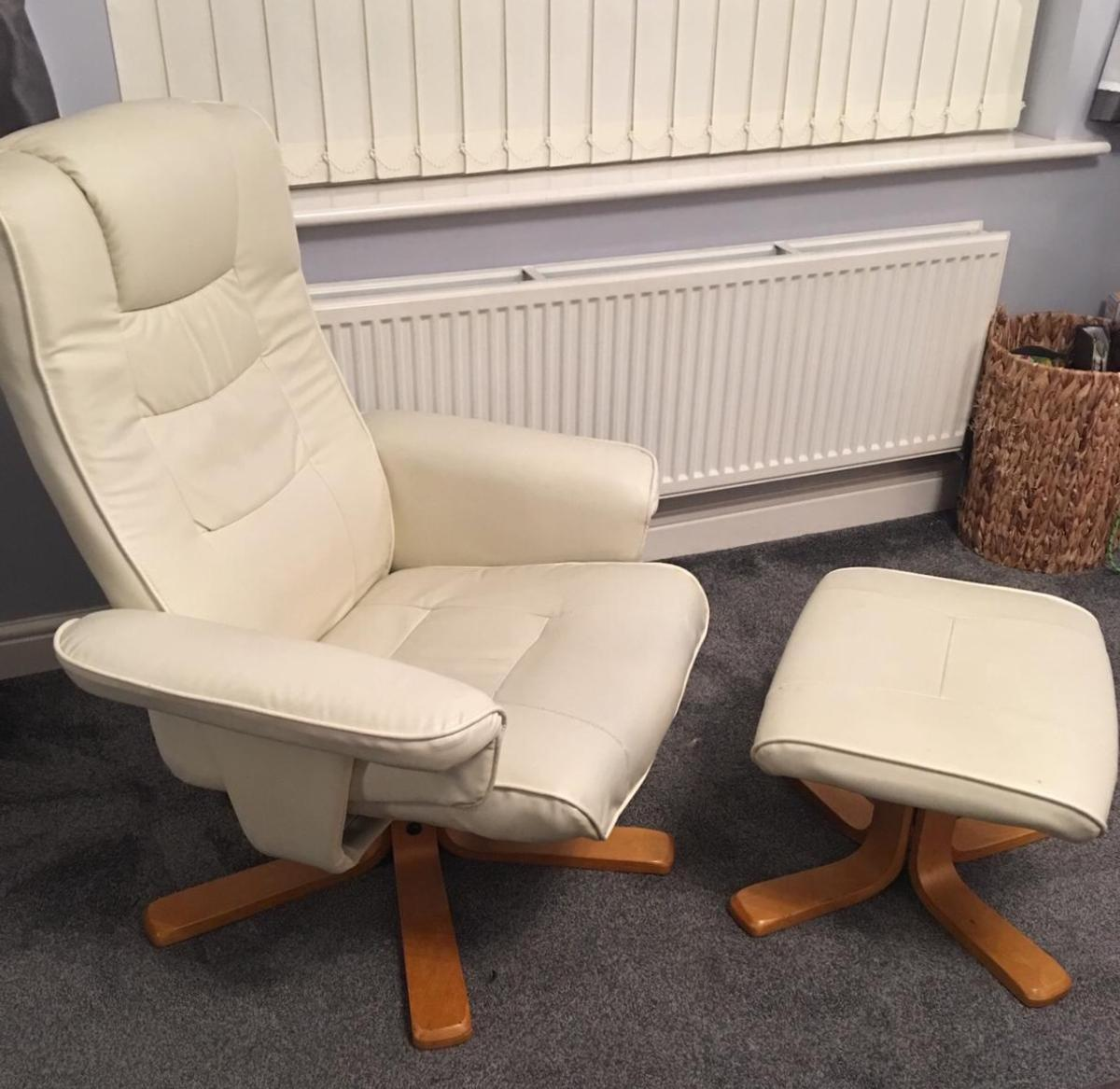 Picture of: Cream Leather Recliner Chair With Footstool In Rotherham For 60 00 For Sale Shpock